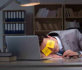 Slaap en stress houden elkaar in stand. Het is een vicieuze cirkel. Tips om goed te slapen.